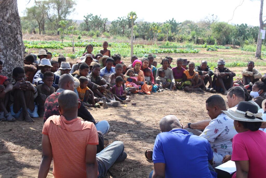 FNG_Visite terrain du 270920_Fkt Ankilimihamy_CR Maniry_Rencontre avec les bénéficiaires _Membre CLGRC_Agent de changement de comportement_FANONGA